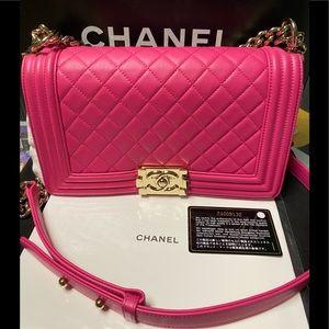 💯 Authentic Chanel boy handbag